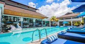 Montigo Resorts Seminyak - Kuta - Pool