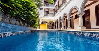 Hotel Colonial - San José - Piscina