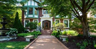 Fleur-de-Lys Mansion - San Luis - Edificio