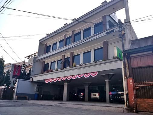 Hotel Unik - Μπαντούνγκ - Κτίριο