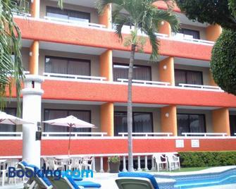 Hotel Real Del Sol Cuernavaca - Cuernavaca - Gebouw