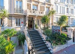 Hotel Renoir - Cannes - Building
