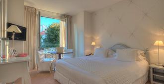 Hotel Renoir - Cannes - Slaapkamer