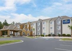 Microtel Inn & Suites by Wyndham Walterboro - Walterboro - Κτίριο