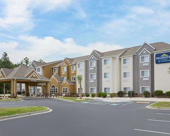 Microtel Inn & Suites by Wyndham Walterboro - Walterboro - Building