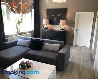 Wohnung im Stadtzentrum - Cloppenburg - Living room