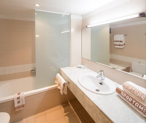Aparthotel Bertran - Barcelona - Bathroom