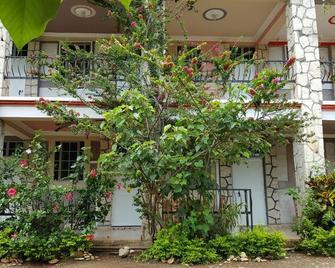 Rollanda Hotel Restaurant - Jacmel - Outdoors view