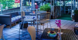 Beacon Hotel & Corporate Quarters - Washington - Patio
