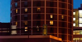 Radisson Hotel Duluth-Harborview, MN - דולות'