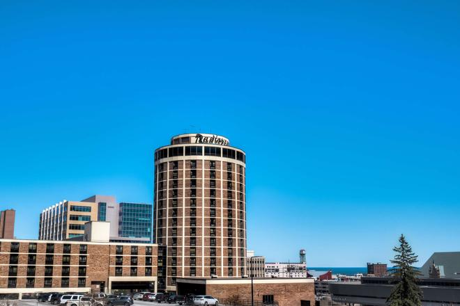 Radisson Hotel Duluth-Harborview, MN - Duluth - Building