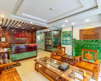 OYO 389 Gold Summer Hotel - Da Nang - Receptionist