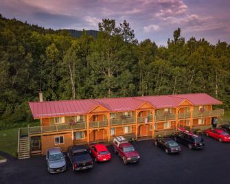 Moose Mountain Inn - Greenville - Gebouw
