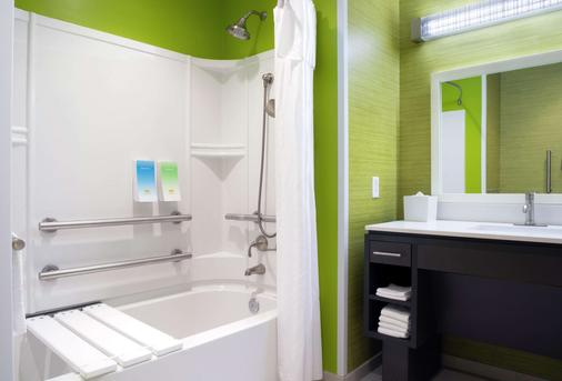 Home2 Suites by Hilton Indianapolis South Greenwood - Indianapolis - Bathroom