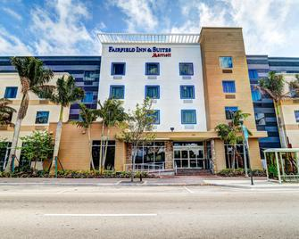 Fairfield Inn and Suites by Marriott Delray Beach I-95 - Delray Beach - Gebäude