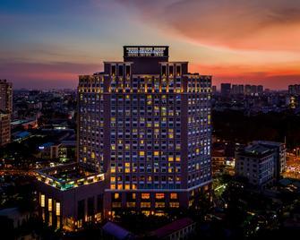 Hotel Nikko Saigon - Ho Chi Minh City - Building