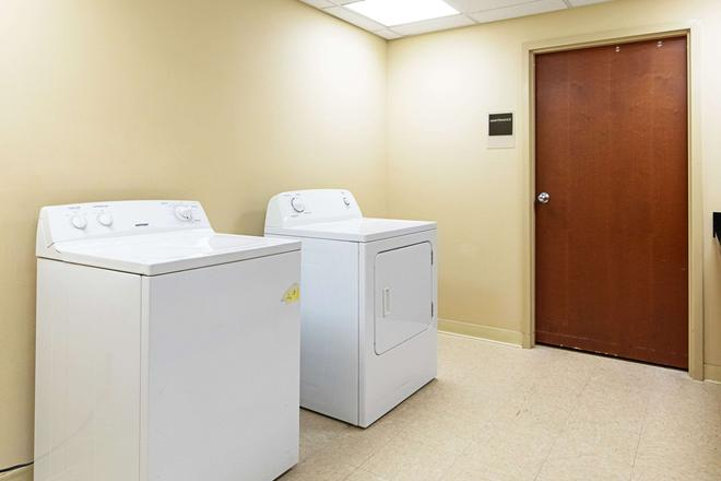 Sleep Inn and Suites Dyersburg I-155 - Dyersburg - Laverie