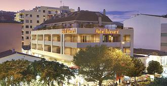 Bulevard Hotel - פלאטחה ד'ארו - בניין