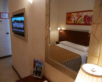 Hotel La Pace - Cassino - Schlafzimmer