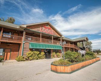 Bullwinkles Rustic Lodge - Poplar Bluff - Gebäude