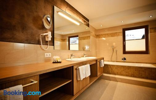 Sporthotel Neustift - Neustift im Stubaital - Bathroom