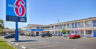 Motel 6 Fresno Blackstone North - Φρέσνο