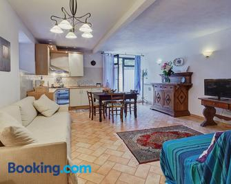 La Loggetta - Gaiole In Chianti - Living room
