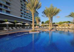 Park Inn Abu Dhabi, Yas Island - Abu Dhabi - Pool