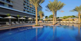 Park Inn Abu Dhabi, Yas Island - Abu Dhabi - Svømmebasseng