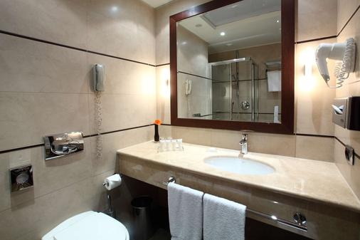 Starhotels Ritz - Milan - Bathroom
