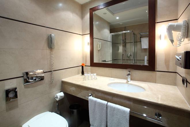 Starhotels Ritz - Милан - Ванная