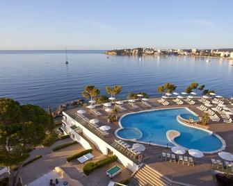 彭內特馬爾公寓酒店 - 卡爾維亞 - 帕爾馬諾瓦 - 游泳池
