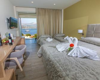 Paradise Lost Hotel-Apartments - Tolo - Makuuhuone