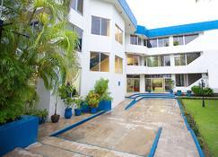 Hotel Principe - Chetumal - Building