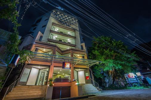 時代廣場酒店 - 高知 - 科欽 - 建築
