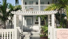 Kimpton Lighthouse Hotel - Key West - Building