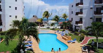 Imperial Las Perlas - Cancún - Piscina
