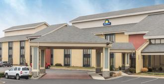 Days Inn by Wyndham Indianapolis Northeast - Indianápolis - Edifício
