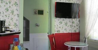 A White Jasmine Inn - Santa Barbara - Bedroom