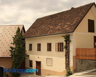 Guesthouse Bajc - Vrhnika - Gebäude