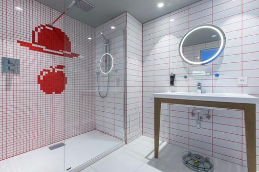 Radisson RED Hotel, Brussels - Brussels - Bathroom