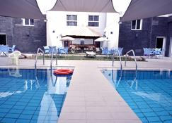 Leaders Plaza Apartments - Ahmadi - Pool