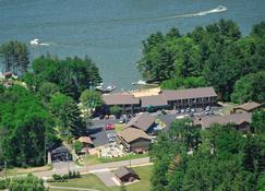 Bakers Sunset Bay Resort - Wisconsin Dells