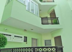 Greta Apartments - Chersonissos - Gebäude
