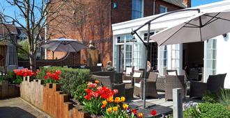 Milford Hall Classic Hotel - Salisbury - Patio