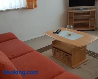 Ferienwohnung Grimma - Grimma - Living room