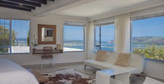 Villa Afrikana Guest Suites - Knysna - Living room