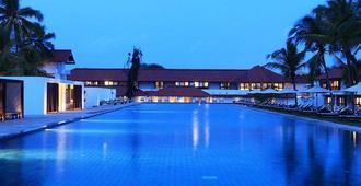 Jetwing Lagoon - Negombo - Bể bơi