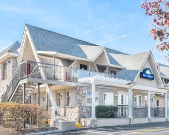 Days Inn by Wyndham Springfield/Phil.Intl Airport - Springfield - Gebouw