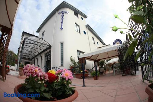 Hotel Il Gioiello - Sabaudia - Building
